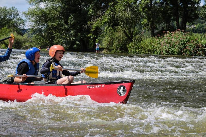 Im 4er-Kanu die Altmühl erkunden